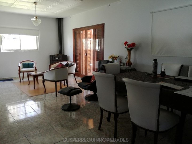 Casa en Venta en Villa Elisa - 4 ambientes