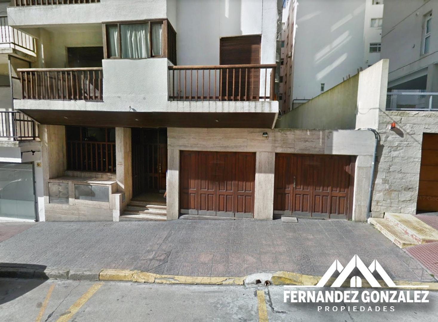 Dpto. 3 Amb. en Edificio Tabaré con cochera y vista al mar en barrio Torreon