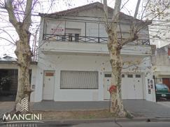 Venta - Villa Ballester - Departamento 2 ambientes al frente con Balcon Corrido.