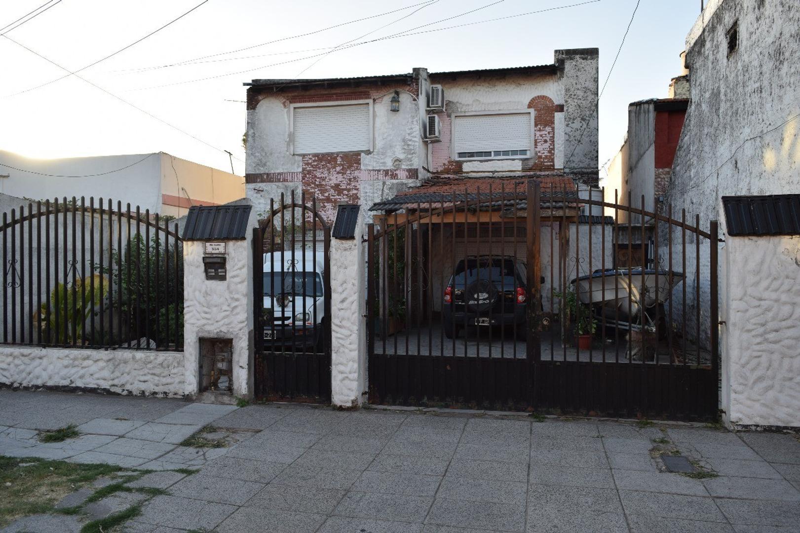 CASA LOTE PROPIO 10 X 39,45  BUEN ESTADO, PILETA, OTRO DEPTO. ATRAS. 294 MTS. CUBIERTOS.