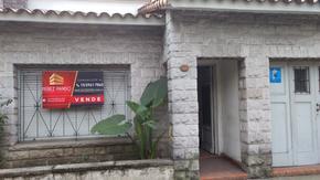 Casa estilo antiguo. Excelente ubicación. APTO crédito.