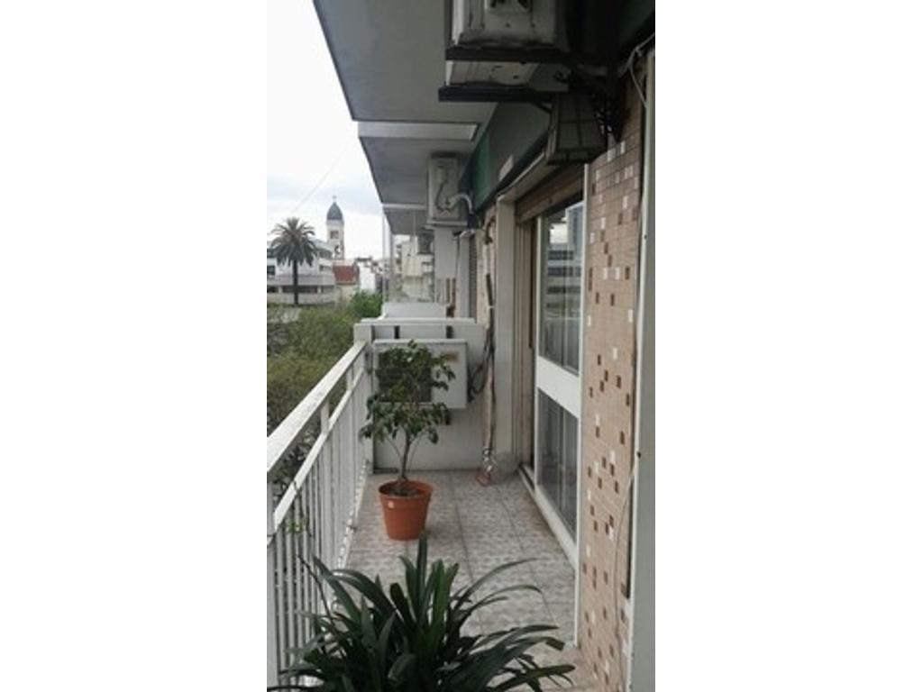 Departamento de 3 ambientes en Caballito, Muy luminoso con balcón corrido