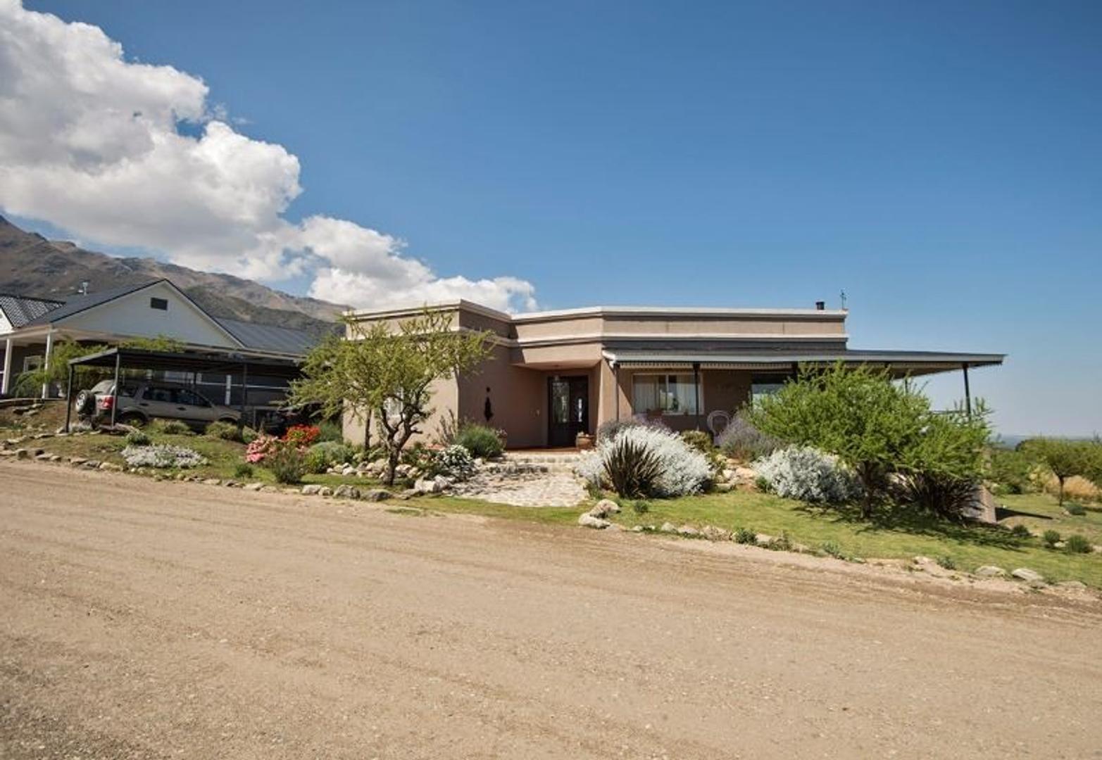 Casa impecable en Country Las Cascadas, Carpintería, San Luis