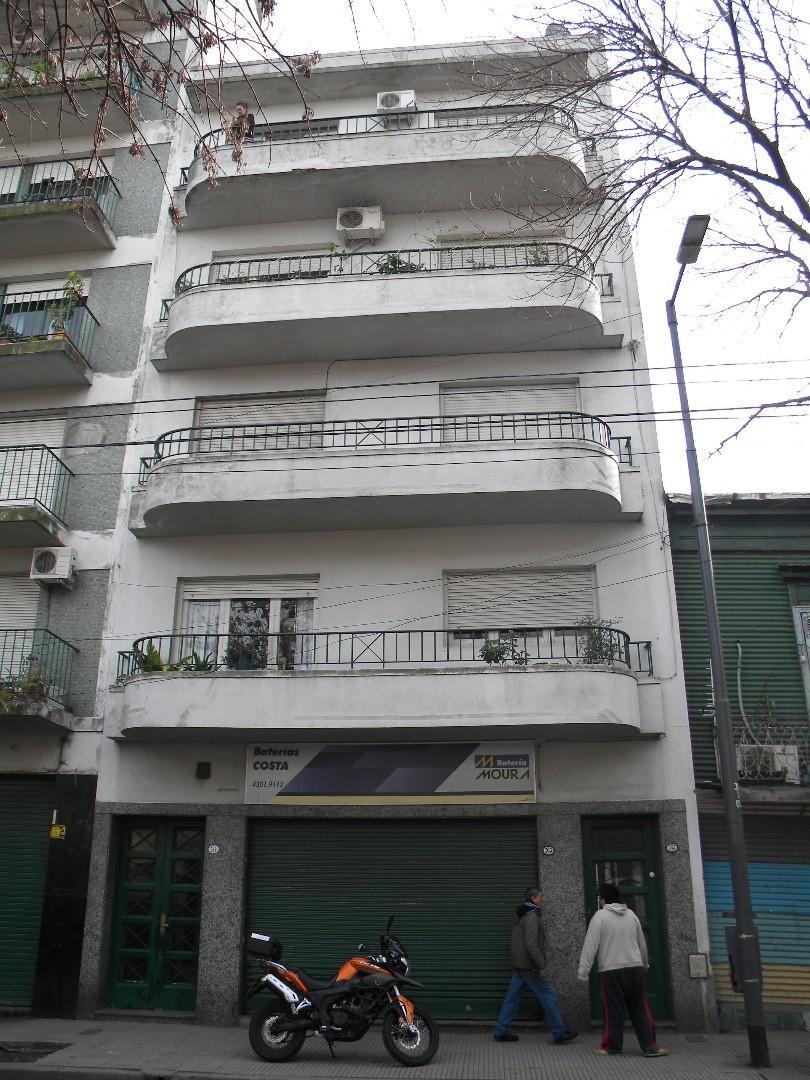 Piso 3 amb con balcón