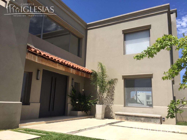 Casa al lago en venta con 3 dormitorios en San Benito, Villanueva