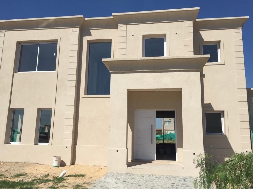 Casa 200m2, 2 plantas y 3 dormitorios en barrio San Gabriel, Villa Nueva