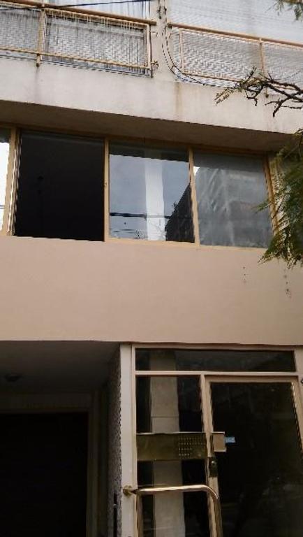 SE ALQUILA OFICINA de 75 m2  BUEN ESTADO Y EXC UBICACIÓN - OLIVOS VTE LOPEZ
