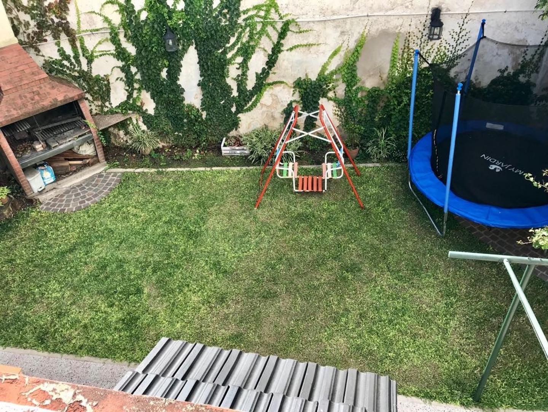 Terrero al 500 - Casa 3 Amb. Dep. Cochera - Jardín - Patio