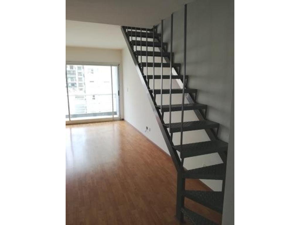 Duplex 2 Ambientes. Dormitorio en suite, Balcón Aterrazado.