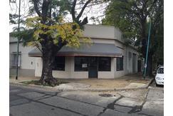Local de 7x8 c/division de oficina. En alquiler en Olivos!!!