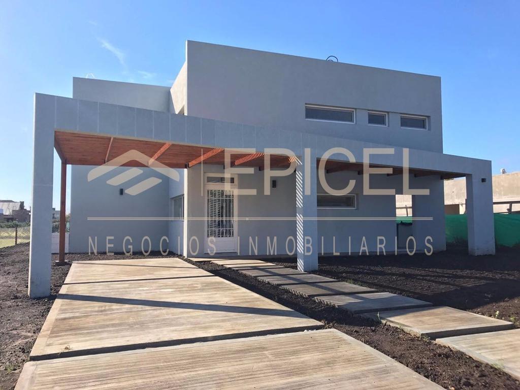 Casa a estrenar - Barrio Los Naranjos