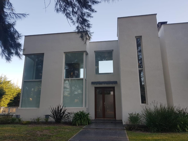 Casa en Alquiler en El Lauquen Club De Campo - 4 ambientes