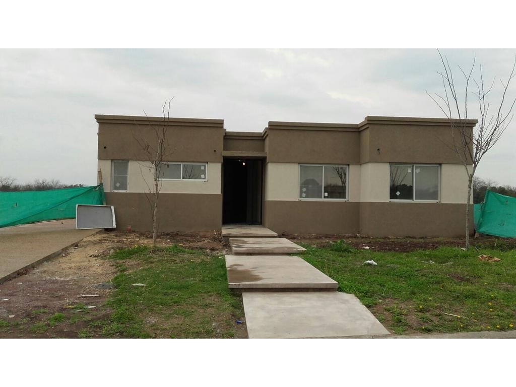 Casa 160m2, 1 plantas y 3 dormitorios en barrio San Matías