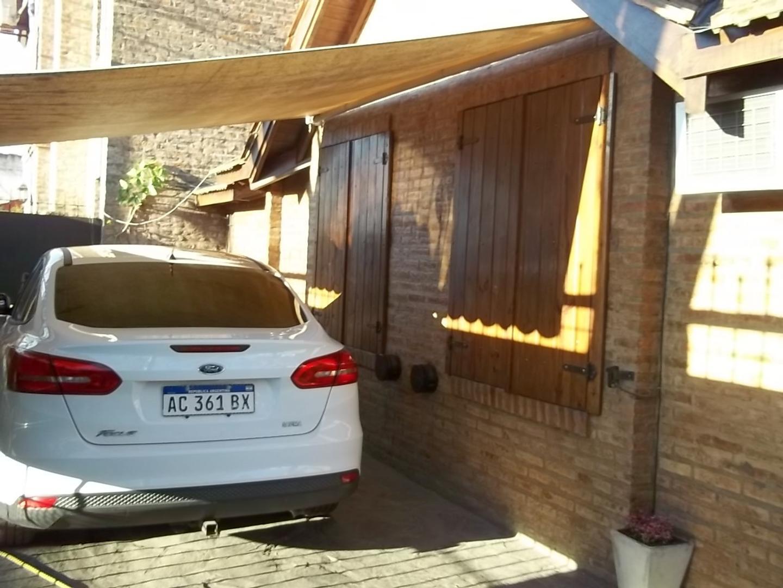 Casa en Venta - 4 ambientes - USD 320.000