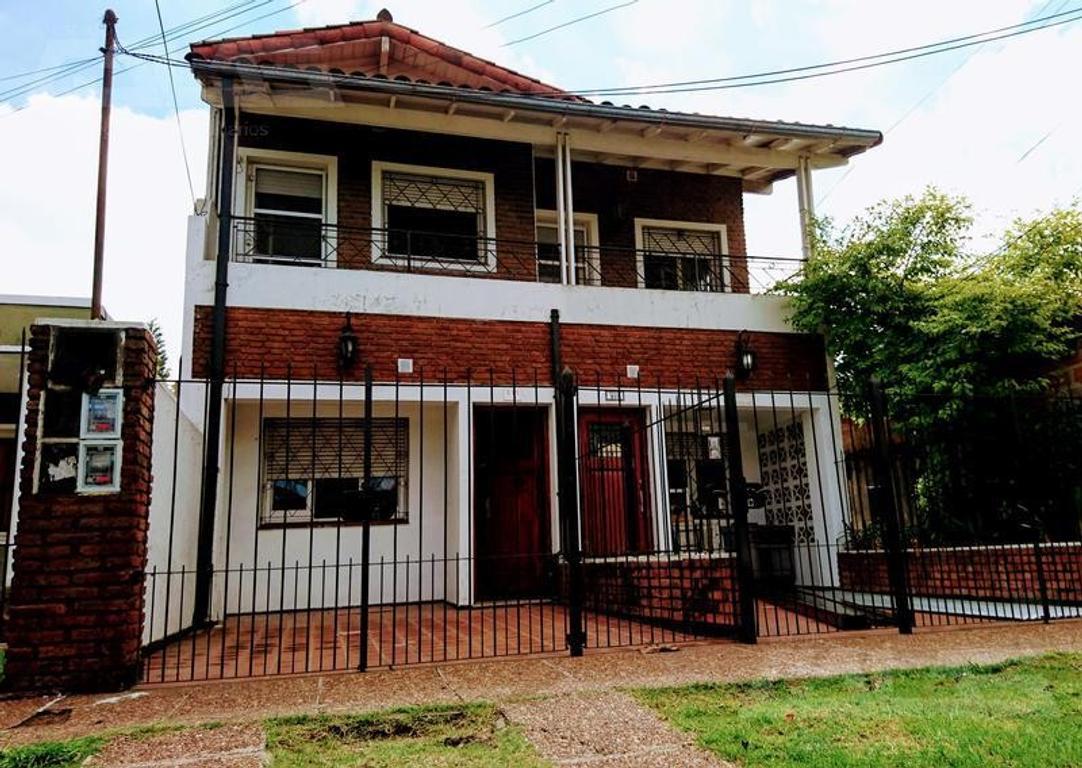 Departamento en planta alta de 4 ambientes en excelente zona de Ituzaingo Norte