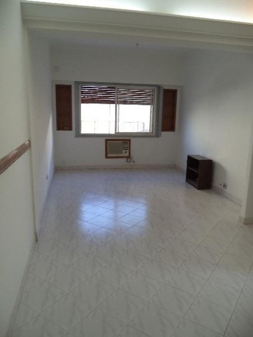 Villa Crespo Departamento de 3 ambientes con dependencia patio bajas expensas