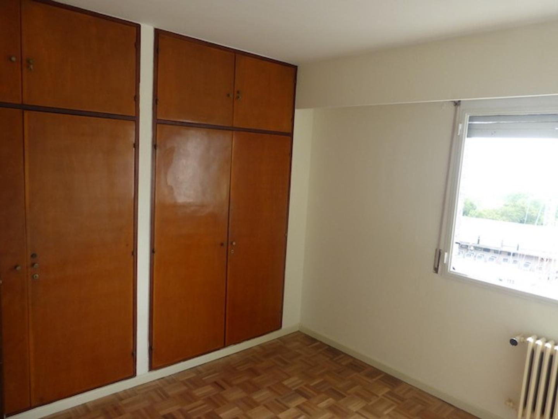Departamento en Vicente Lopez Vias / Rio con 3 habitaciones