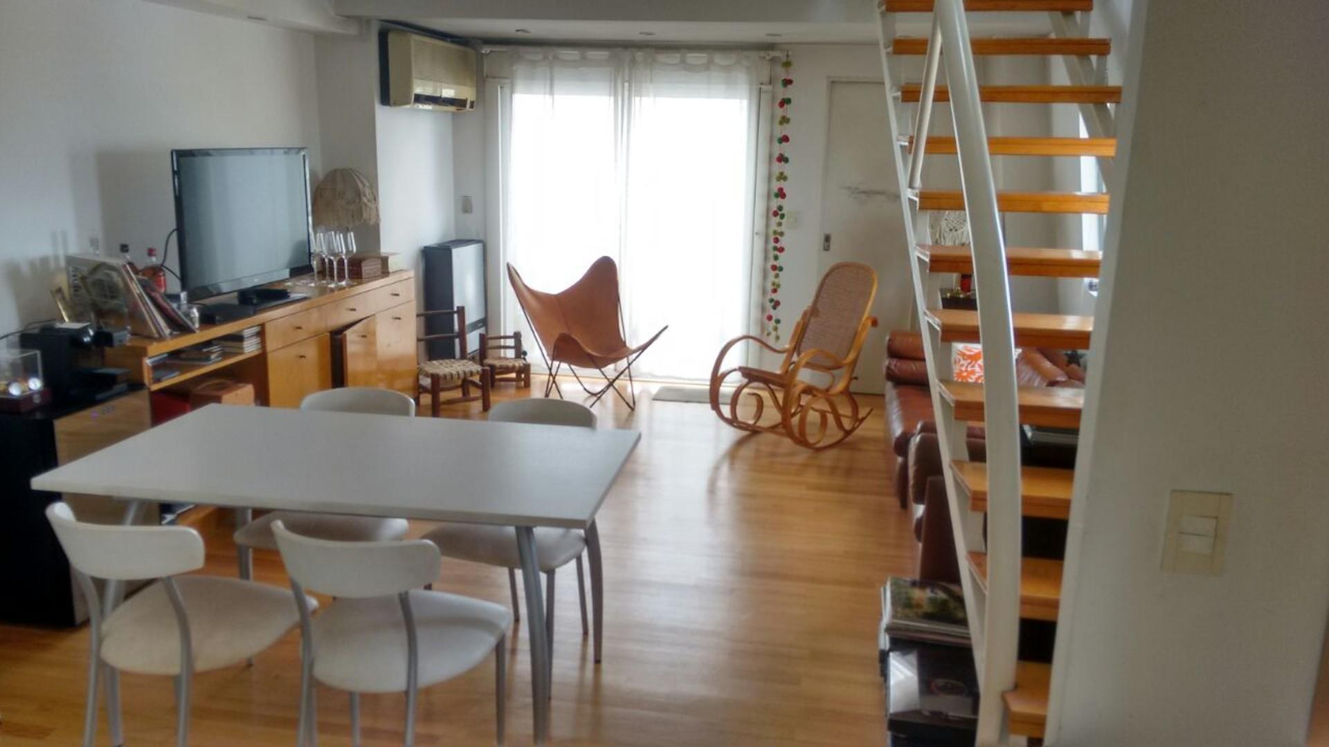Duplex al frente, luminoso y amplio, 2 baños, con cochera fija