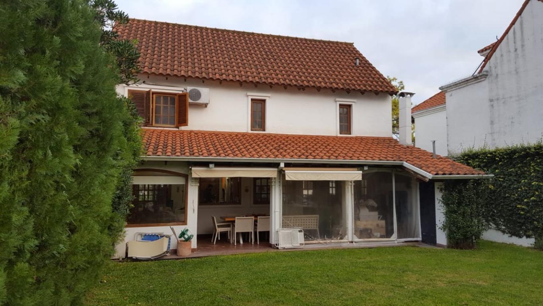Casa en Venta de 4 Ambientes en Aranjuez Country Club - Escobar