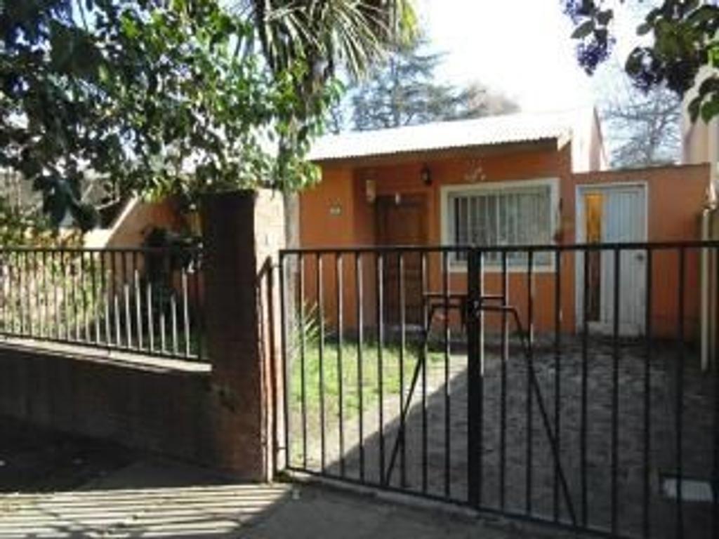 Casa en Venta de 4 ambientes en Buenos Aires, Pdo. de Escobar, Ingeniero Maschwitz, Centro