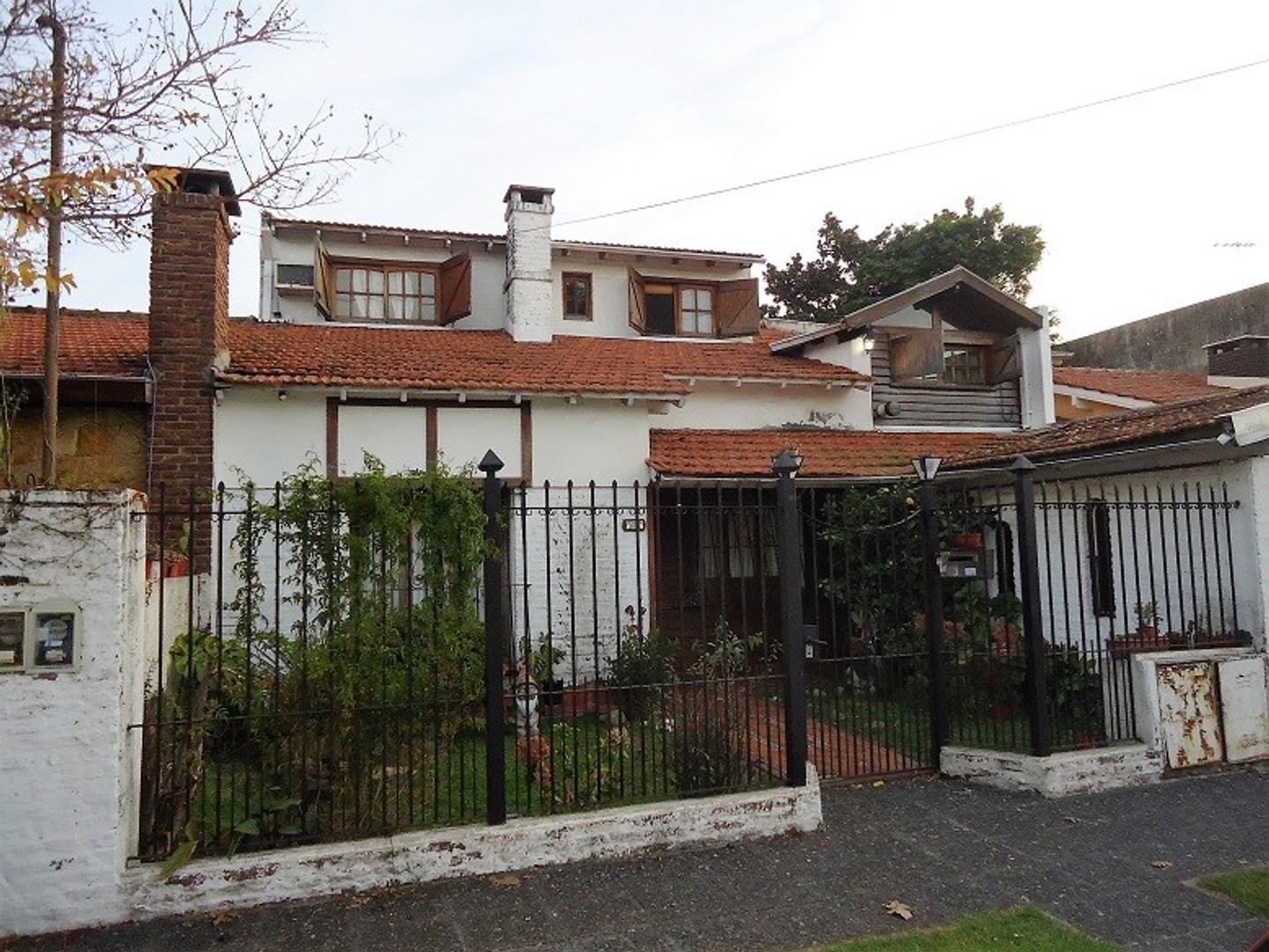 XINTEL(ALV-ALV-3414) Casa - Venta - Argentina, Vicente López - Silveyra 3600