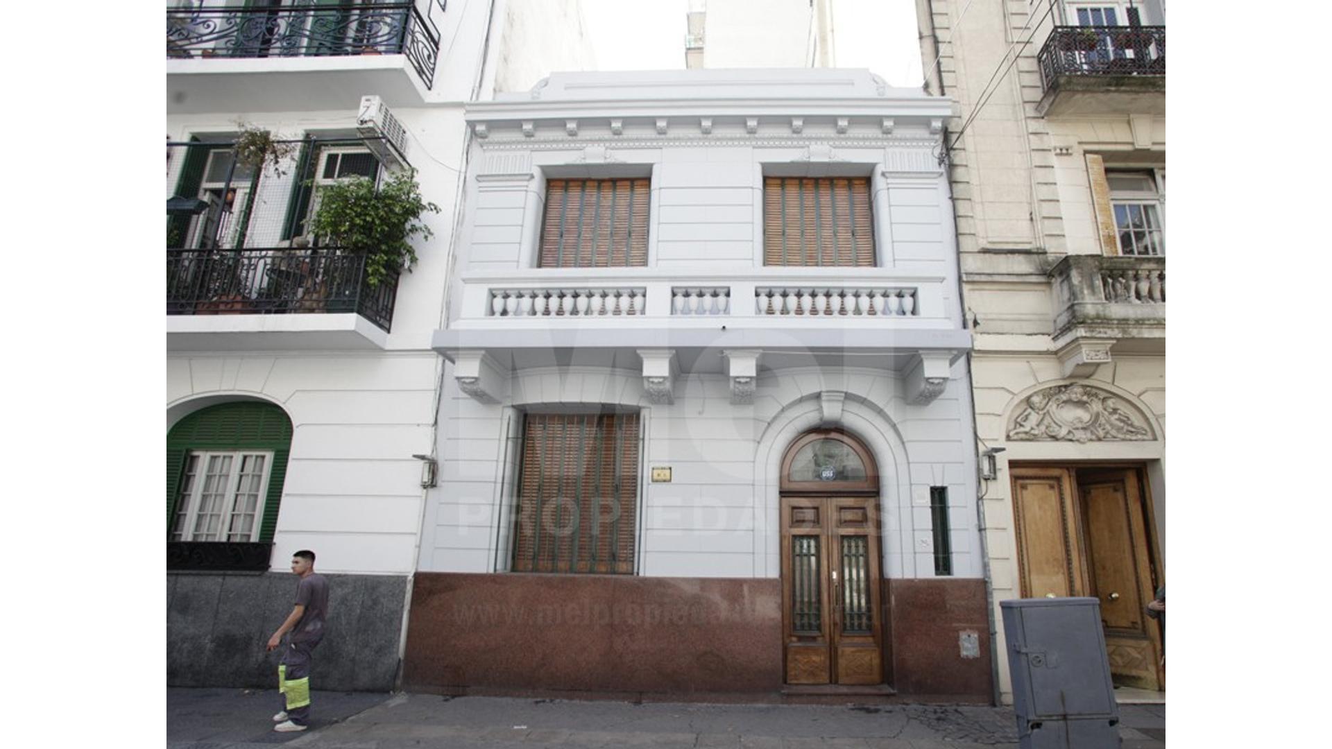 EXCELENTE CASA DE ESTILO 5 AMBIENTES CON PATIO ANDALUZ