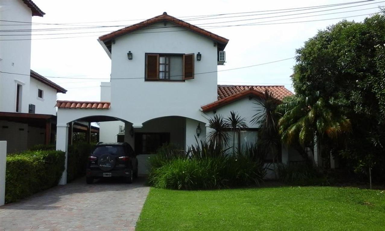 Impecable casa en Aranjuez Maschwitz. Deportes. Golf. Club House. La mejor!