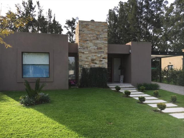 Casa en Venta en El Aike - 4 ambientes
