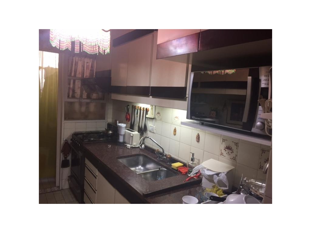 Departamento de 4 ambientes c/doble balcón y cochera - Quilmes Centro