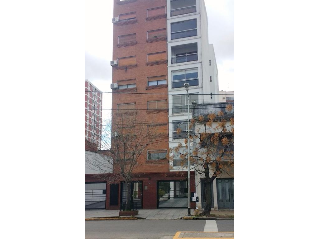 AMPLIO 2 AMBIENTES EN EXCELENTE ESTADO 50 m2