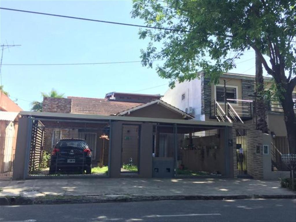Casa en Venta de 4 ambientes en Buenos Aires, Pdo. de San Isidro, Villa Adelina