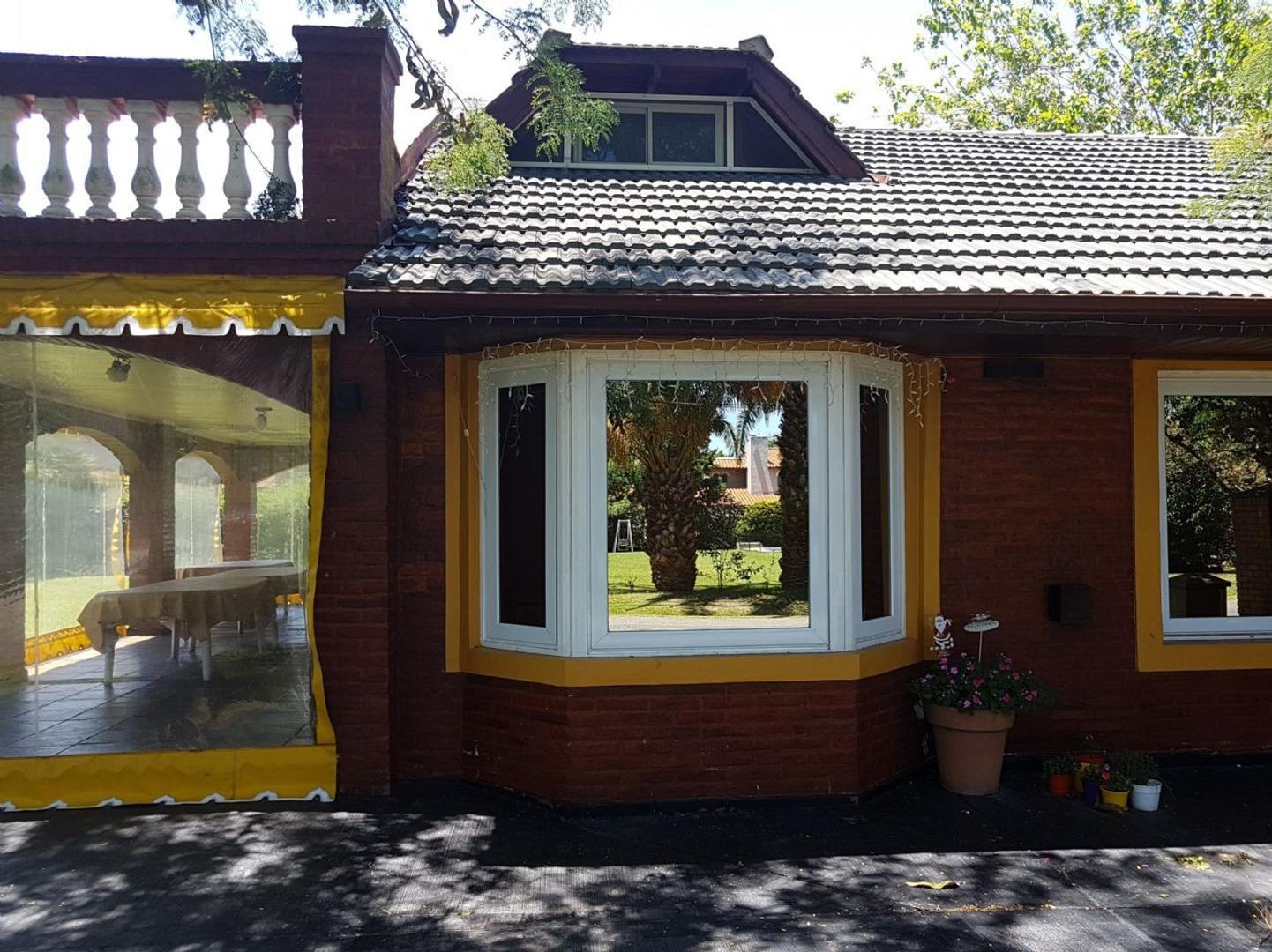 Casa  en Venta  C.C. Banco Provincia, Zona Oeste - OES1014_LP156645_1