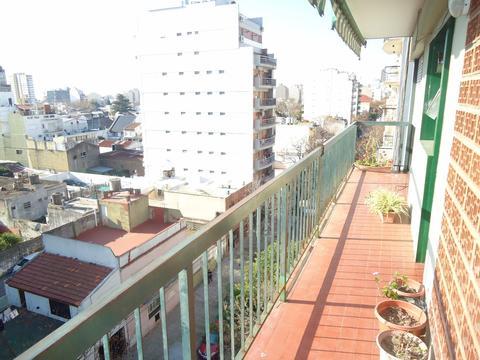 Depto 4 amb en alquiler con balcon corrido a metros av. Nazca y Mosconi