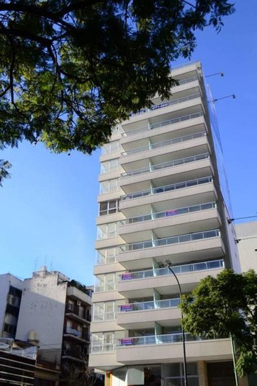 Impecable 2 amb en Suite al fte con balcon aterrazado en Belgrano