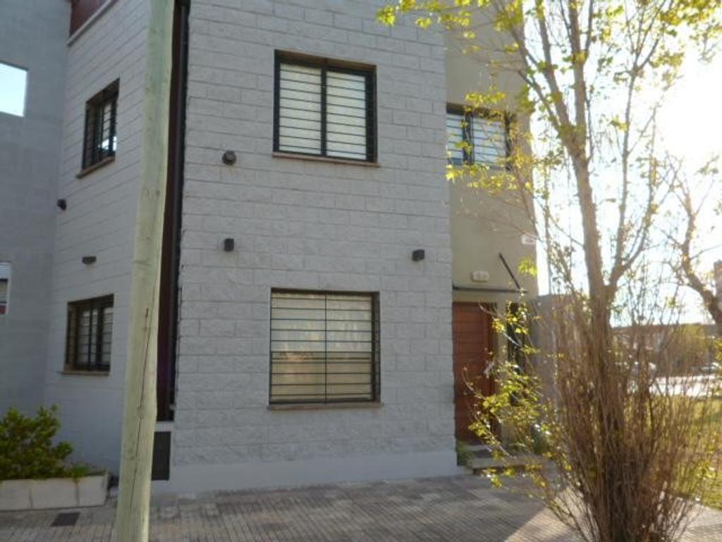 Duplex en Venta Calle City Bell Cno. Belgrano e/ 9 y 529 Dacal Bienes Raices