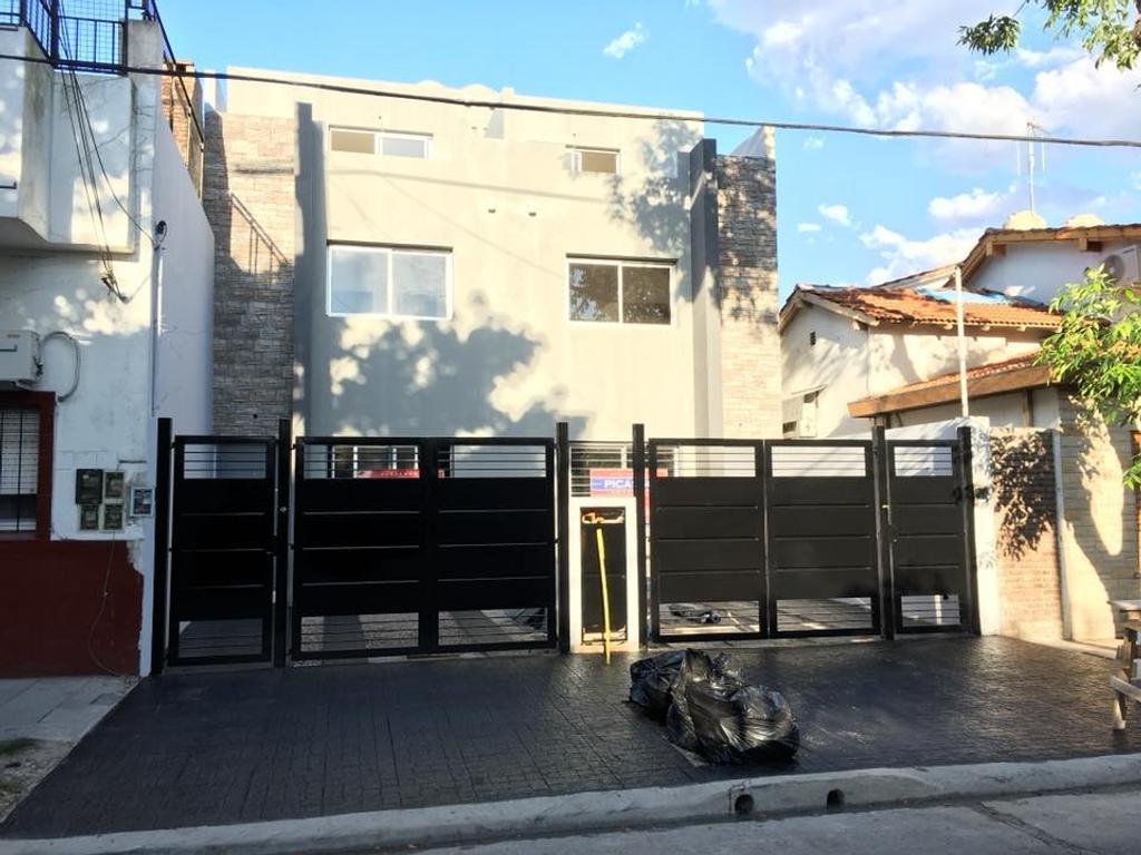 Duplex a Estr. 5 Amb. Coch, Jdin, Terraza.