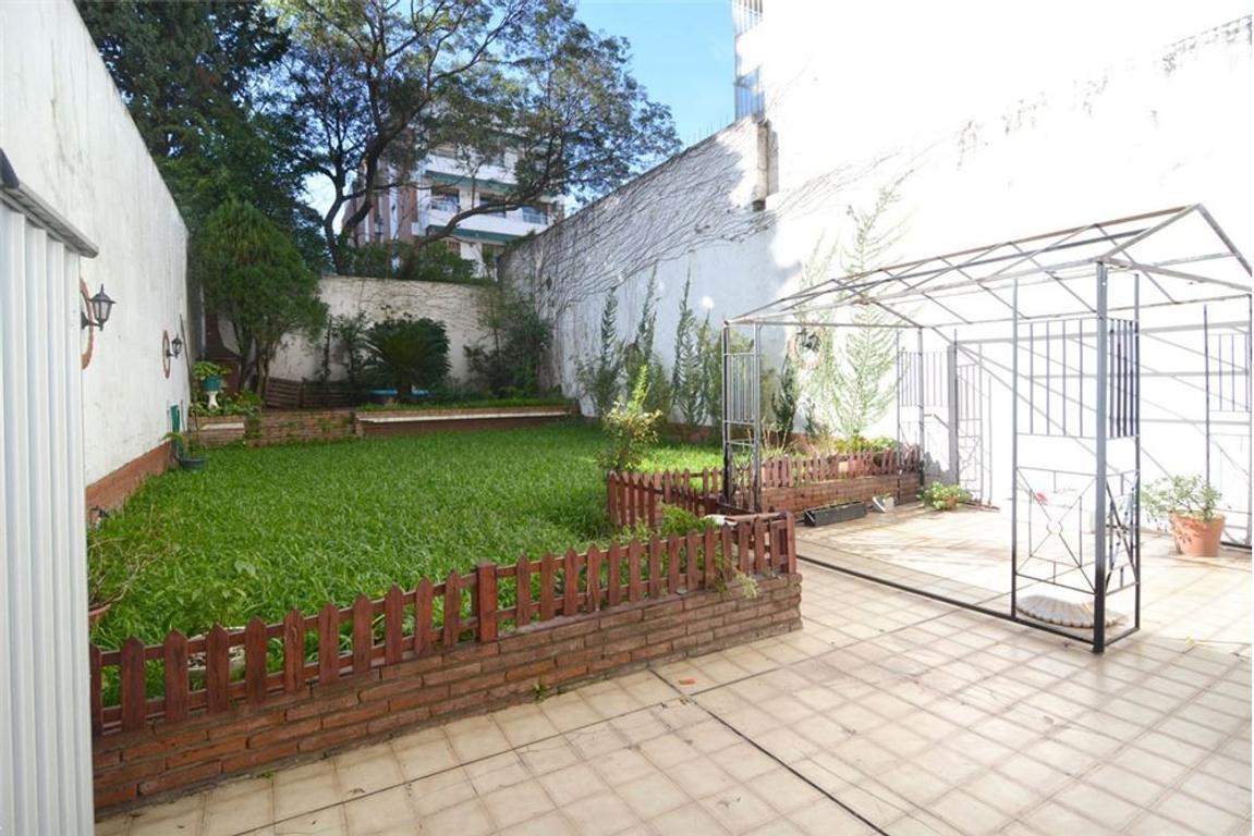 Hermoso 4 Amb. con jardín, patio y cochera