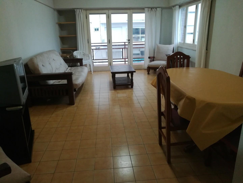 Departamento de 3 ambientes con cochera fija. Vista al mar. Playa Grande.