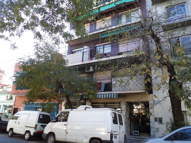 Venta Depto 3 amb con balcon Artigas 4800