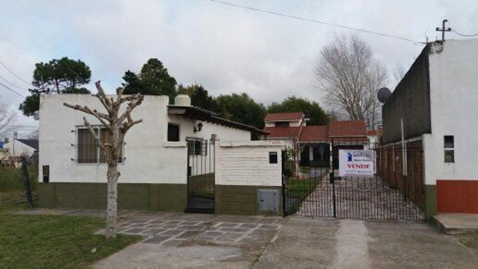 Vendo casa en Santa Teresita. 50 % al contado y cuotas de U$S 400.00
