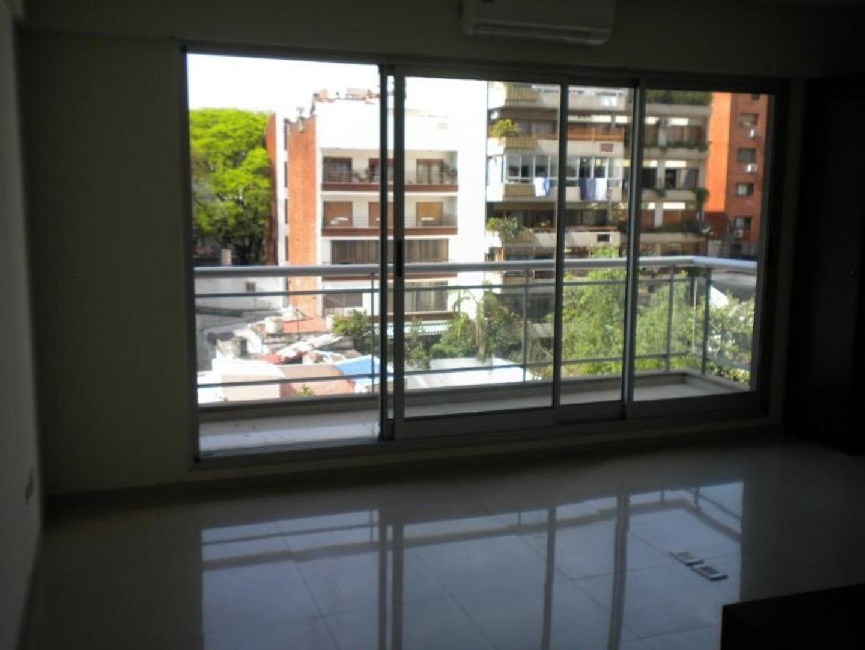 ** RESERVADO ** Monoambiente divisible, con balcón.
