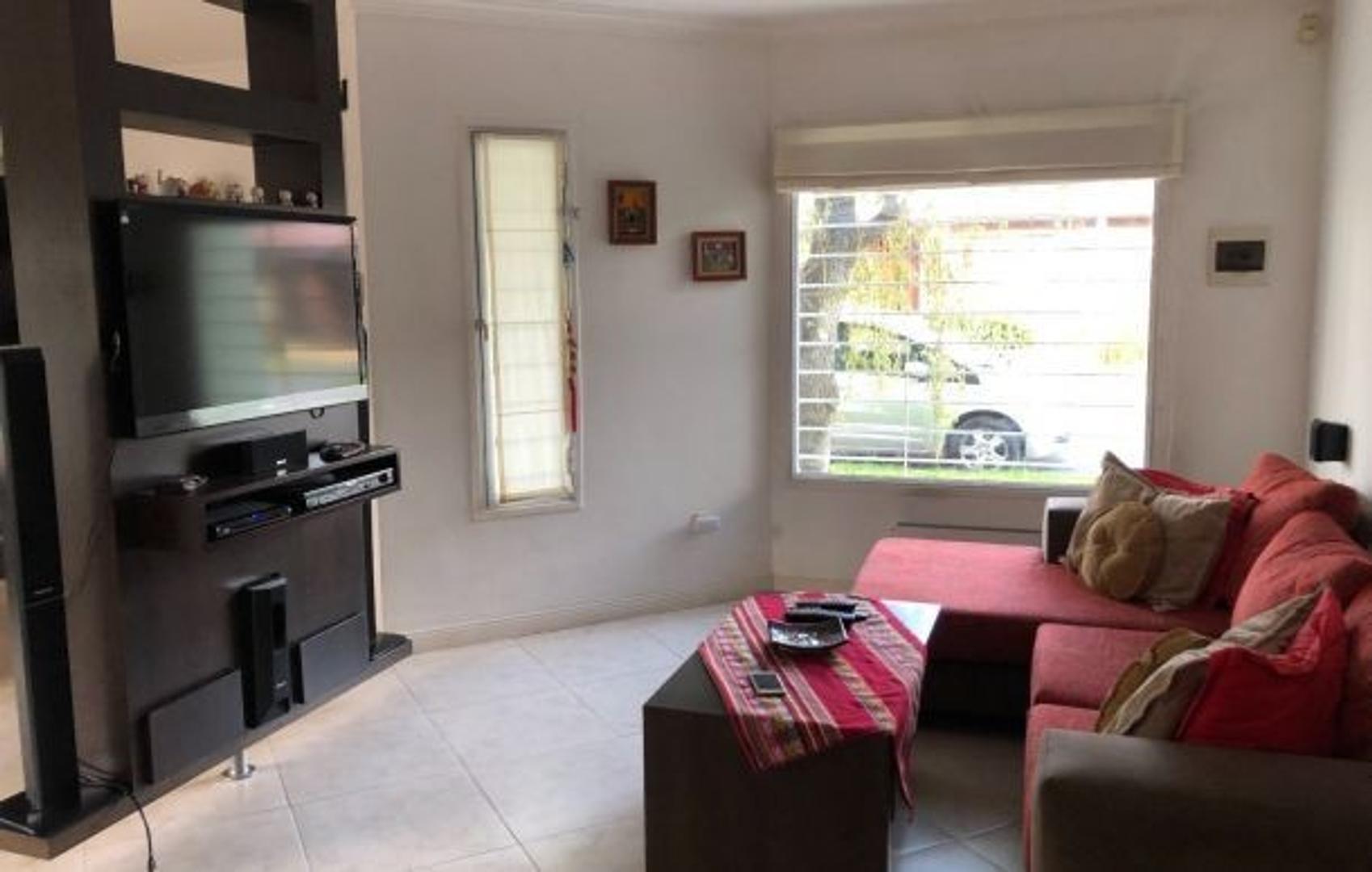Casa en Venta en Caisamar - 4 ambientes