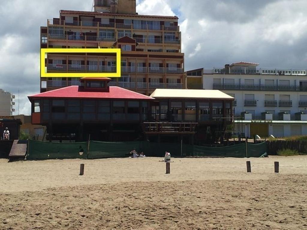 Departamento En Alquiler Por Temporada En Paseo 104 8 Villa  # Muebles Villa Gesell