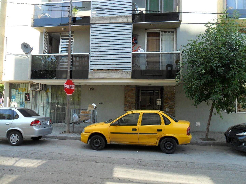 Vendo Depto. Excelente estado.  Un dormitorio. Externo con balcón. Fructuoso Rivera y Cañada