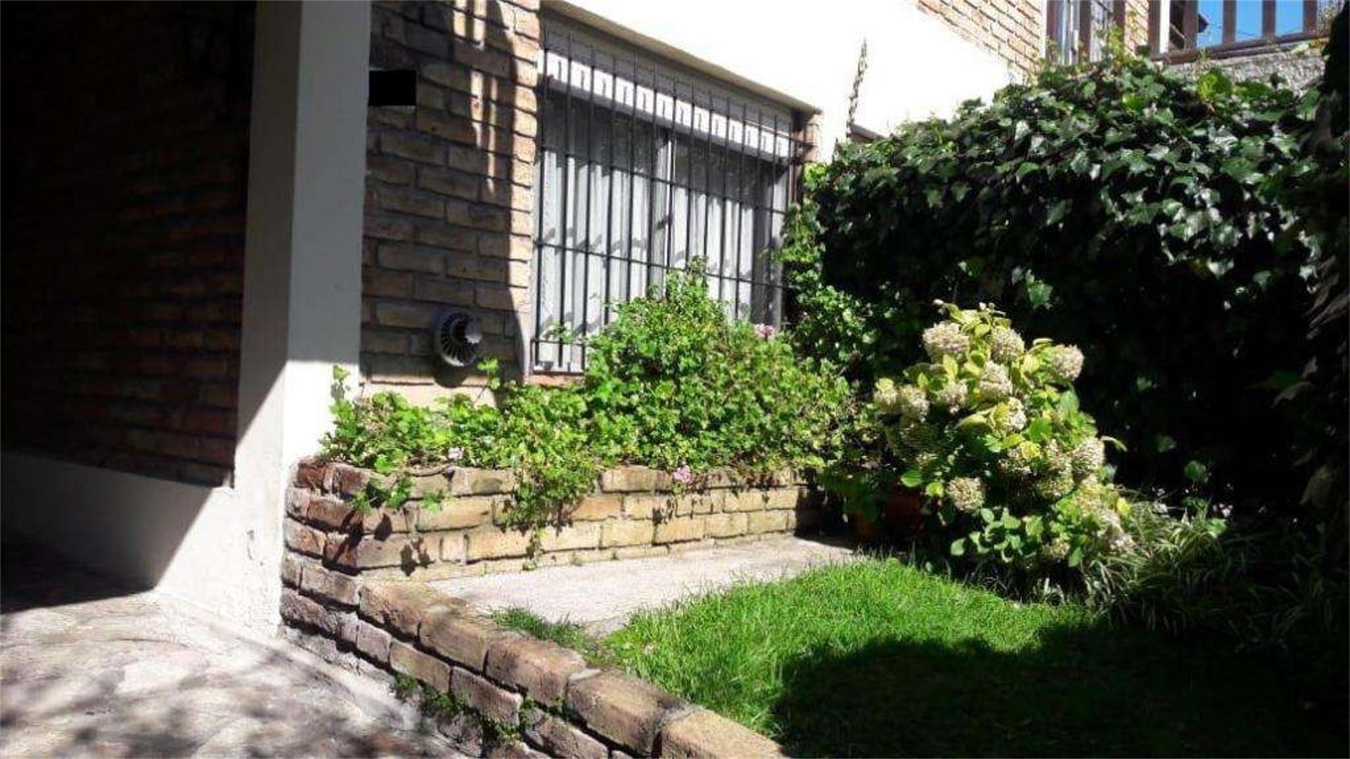 Casa en Alquiler en Los Troncos - 4 ambientes