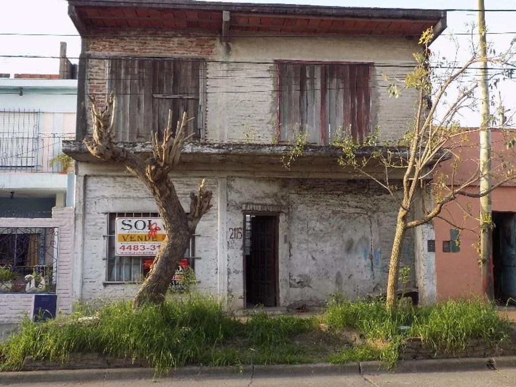 Castelar Norte, Casa en 2 plantas a terminar.