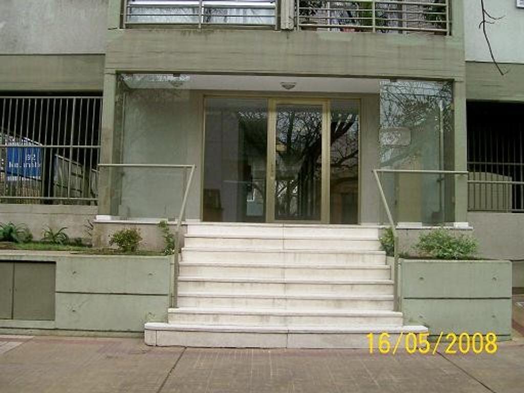 Alquiler Depto, Living com, 1 dorm, frente, excelente en 62 y 7 La Plata llamar a Ramirez 422-7790