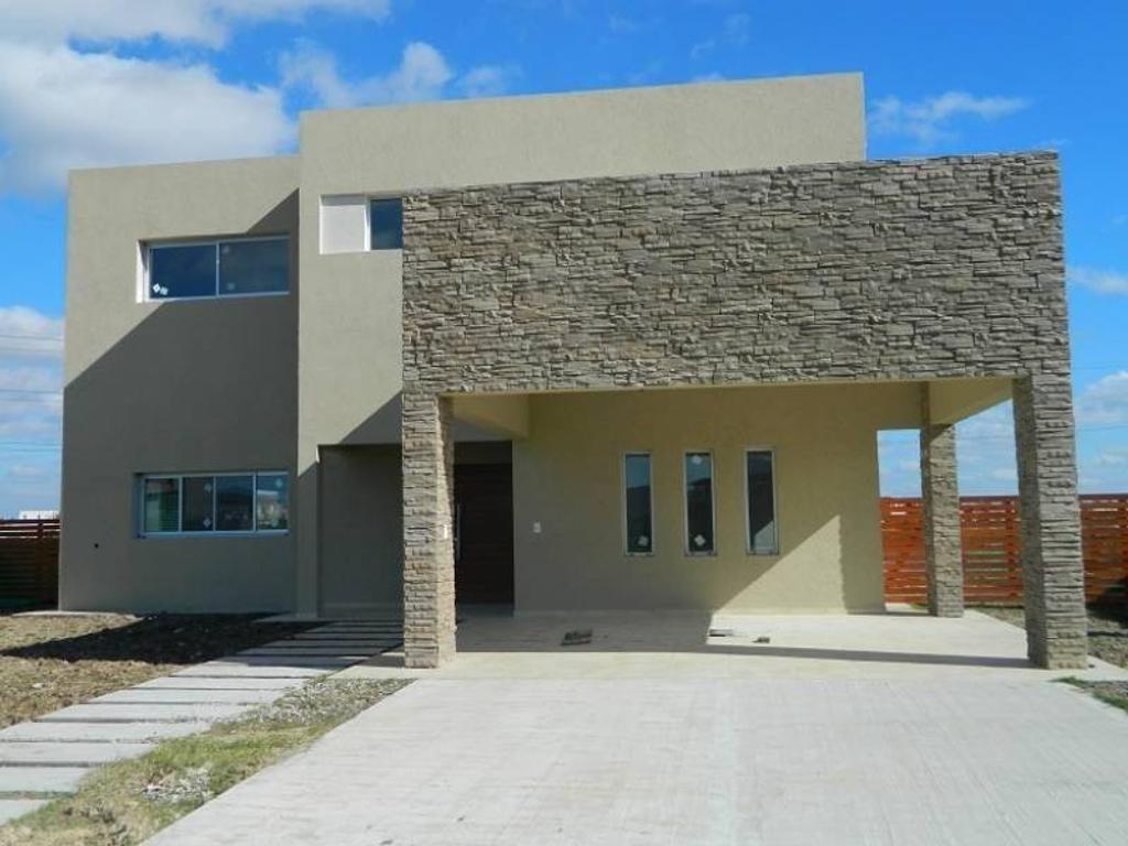 Casa A ESTRENAR sobre laguna en barrio SAN GABRIEL, Villa Nueva