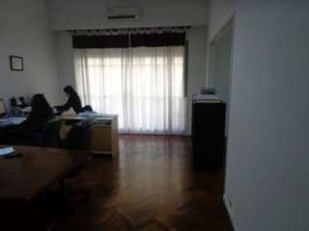 Departamento en venta 1 Dormitorios  con renta apto profesional