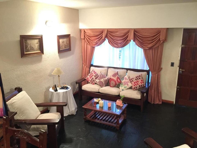 Casa en Venta en Parque Cisneros - 4 ambientes
